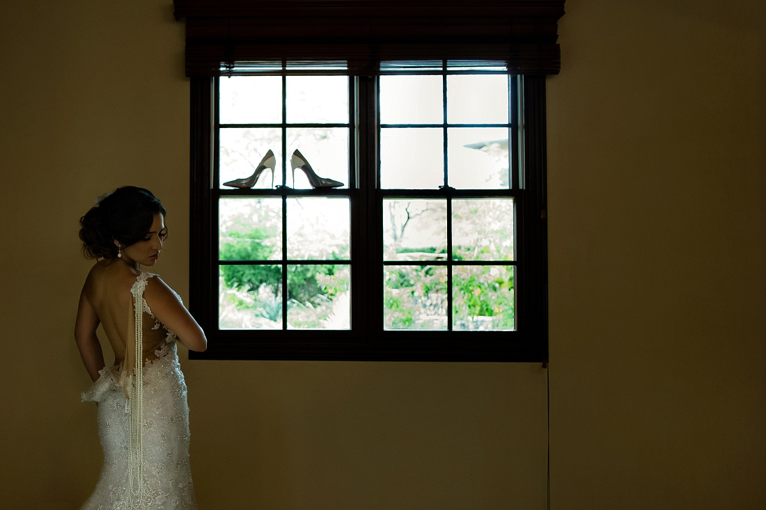 IMAGE: http://www.blog.dmitrimarkine.com/wp-content/uploads/best-wedding-photographers-tamarindo.jpg