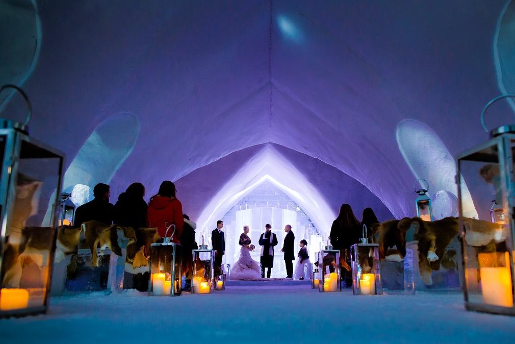 hotel de glace wedding quebec