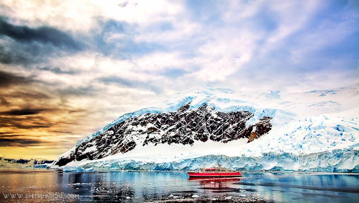 Cruise-ship-wedding-Antarctica