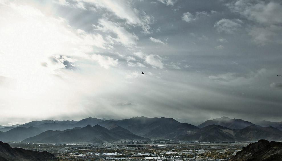 sky burial in Tibet